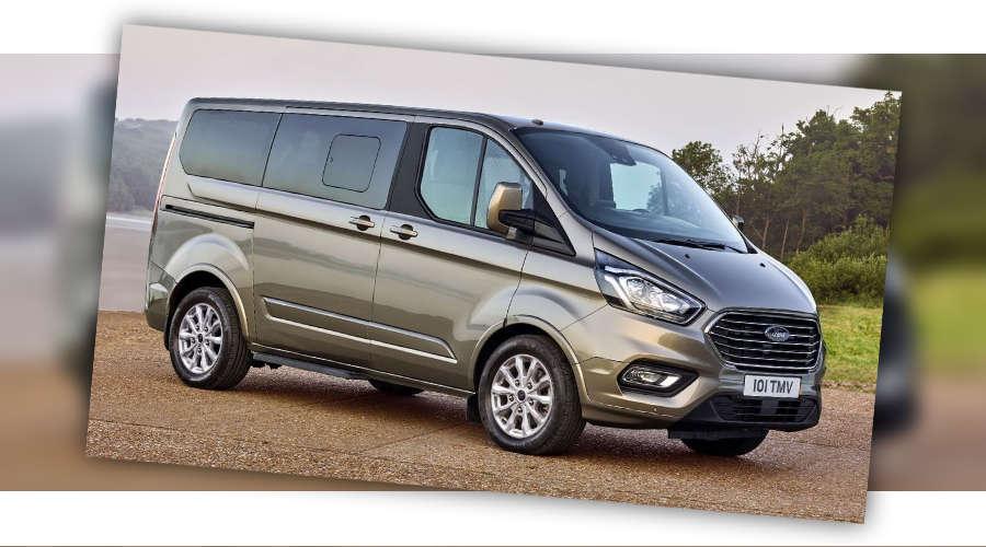 Silver Ford Tourneo Minibus 9 Seater